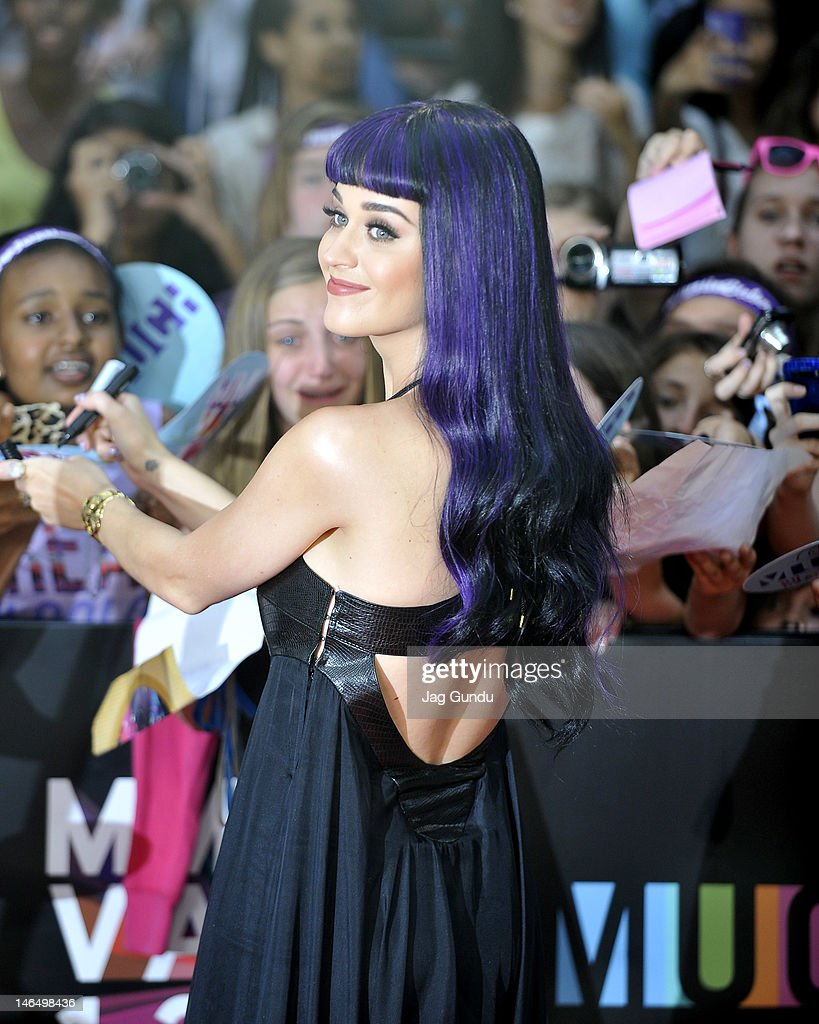 Singer Katy Perry arrives at the 2012 MuchMusic Video Awards at the MuchMusic HQ on June 17, 2012 in Toronto, Canada.