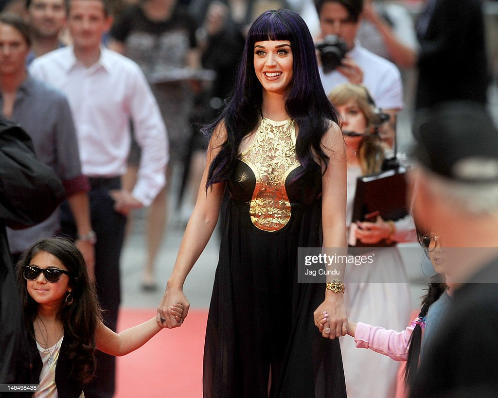Singer <a gi-track='captionPersonalityLinkClicked' href=/galleries/search?phrase=Katy+Perry&family=editorial&specificpeople=599558 ng-click='$event.stopPropagation()'>Katy Perry</a> arrives at the 2012 MuchMusic Video Awards at the MuchMusic HQ on June 17, 2012 in Toronto, Canada.