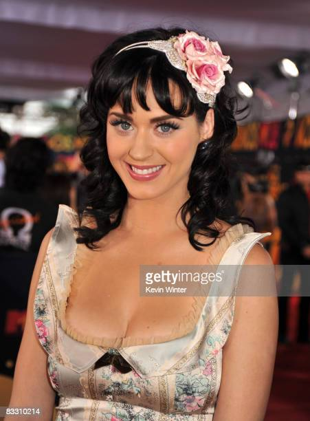 Singer Katy Perry arrives at the 7th Annual 'Los Premios MTV Latin America 2008' Awards held at the Auditorio Telmex on October 16 2008 in...