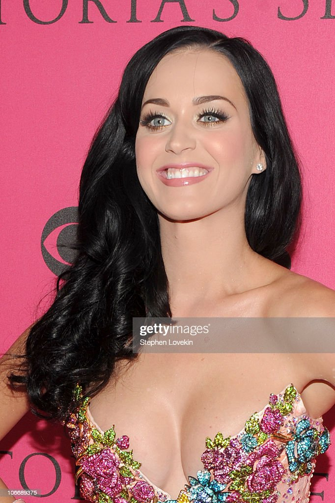 Singer Katy Perry arrives for the 2010 Victoria's Secret Fashion Show at the Lexington Avenue Armory on November 10 2010 in New York City