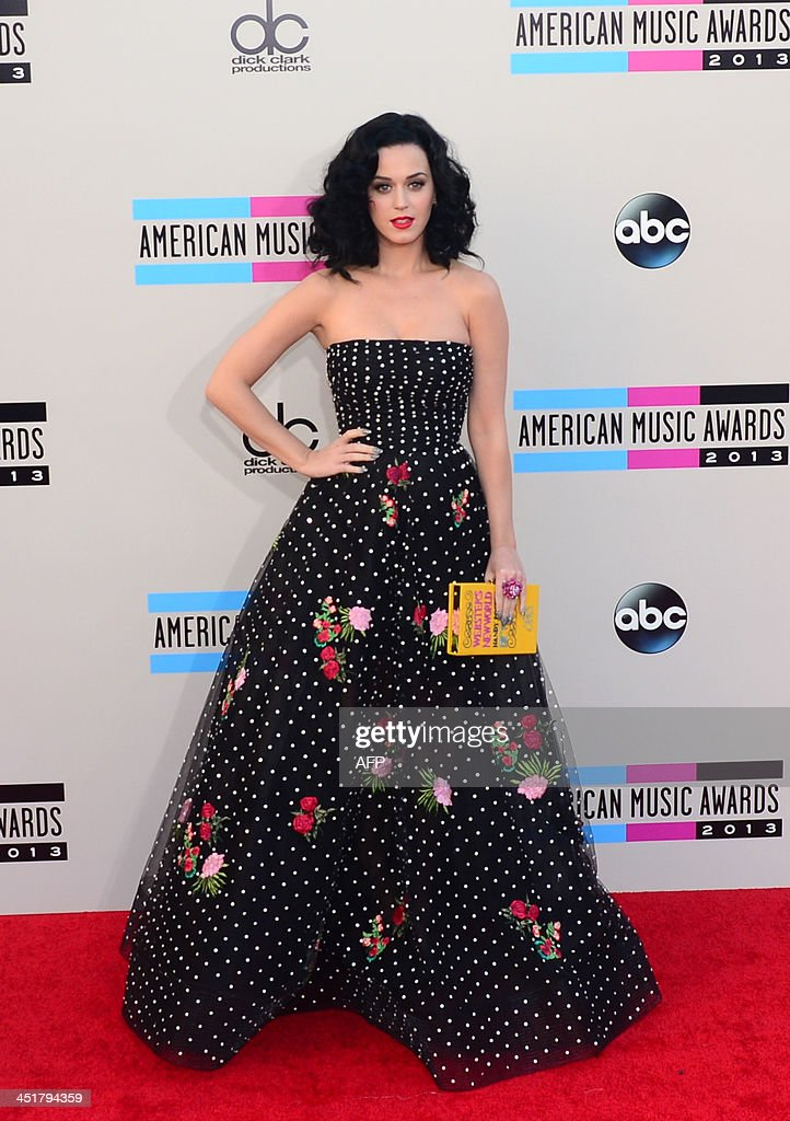 Singer Katy Perry arrives for the 2013 American Music Awards at the Nokia Theatre L.A. Live in downtown Los Angeles, California, November 24, 2013. AFP PHOTO / Frederic J. Brown