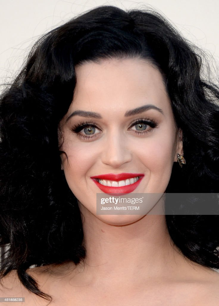 Singer <a gi-track='captionPersonalityLinkClicked' href=/galleries/search?phrase=Katy+Perry&family=editorial&specificpeople=599558 ng-click='$event.stopPropagation()'>Katy Perry</a> attends the 2013 American Music Awards at Nokia Theatre L.A. Live on November 24, 2013 in Los Angeles, California.