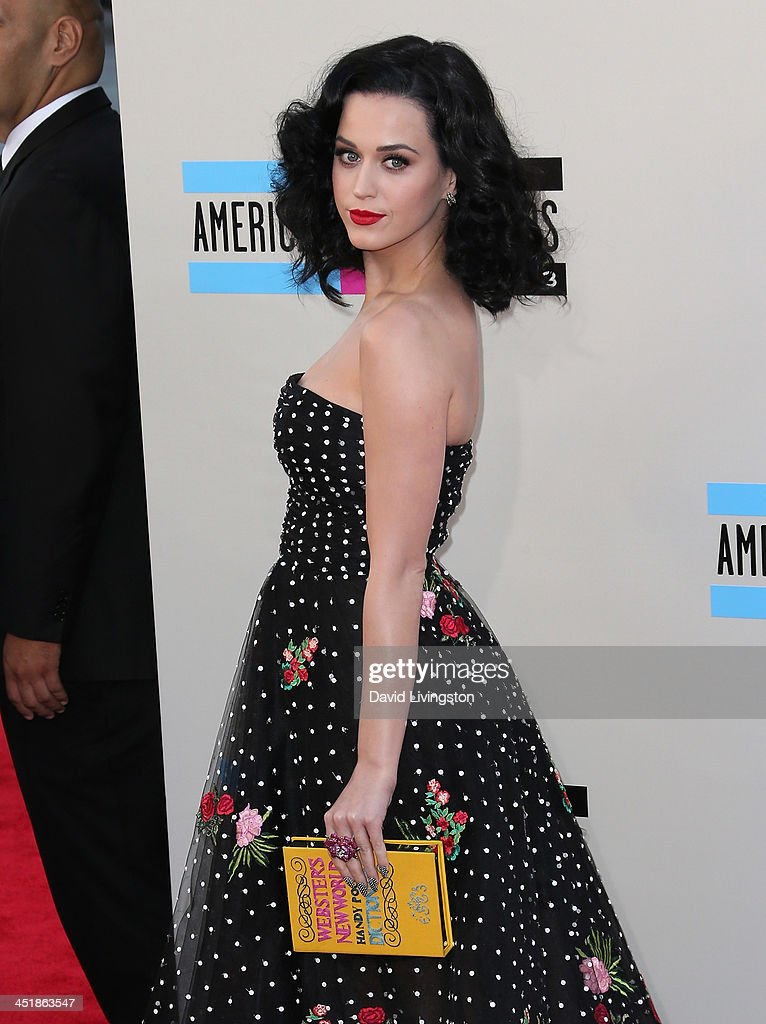 who is katy perry dating november 2013 Thank you so much for subscribing you sexy beast you molly is back and this time she is setting up justin bieber and katy perry what do you think good id.
