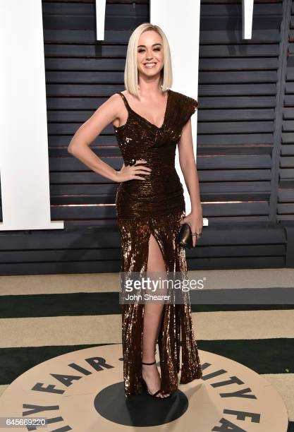 Singer Katy Perry attends the 2017 Vanity Fair Oscar Party hosted by Graydon Carter at Wallis Annenberg Center for the Performing Arts on February 26...