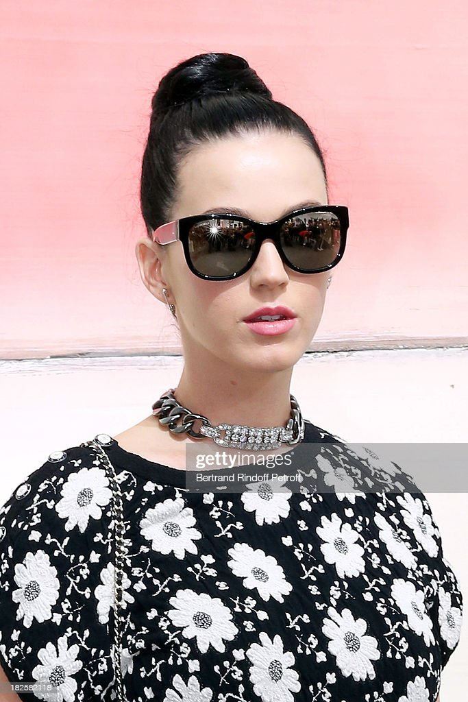 Singer <a gi-track='captionPersonalityLinkClicked' href=/galleries/search?phrase=Katy+Perry&family=editorial&specificpeople=599558 ng-click='$event.stopPropagation()'>Katy Perry</a> attends the Chanel show as part of the Paris Fashion Week Womenswear Spring/Summer 2014, held at Grand Palais on October 1, 2013 in Paris, France.