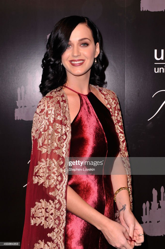 Singer <a gi-track='captionPersonalityLinkClicked' href=/galleries/search?phrase=Katy+Perry&family=editorial&specificpeople=599558 ng-click='$event.stopPropagation()'>Katy Perry</a> attends The Ninth Annual UNICEF Snowflake Ball at Cipriani, Wall Street on December 3, 2013 in New York City.