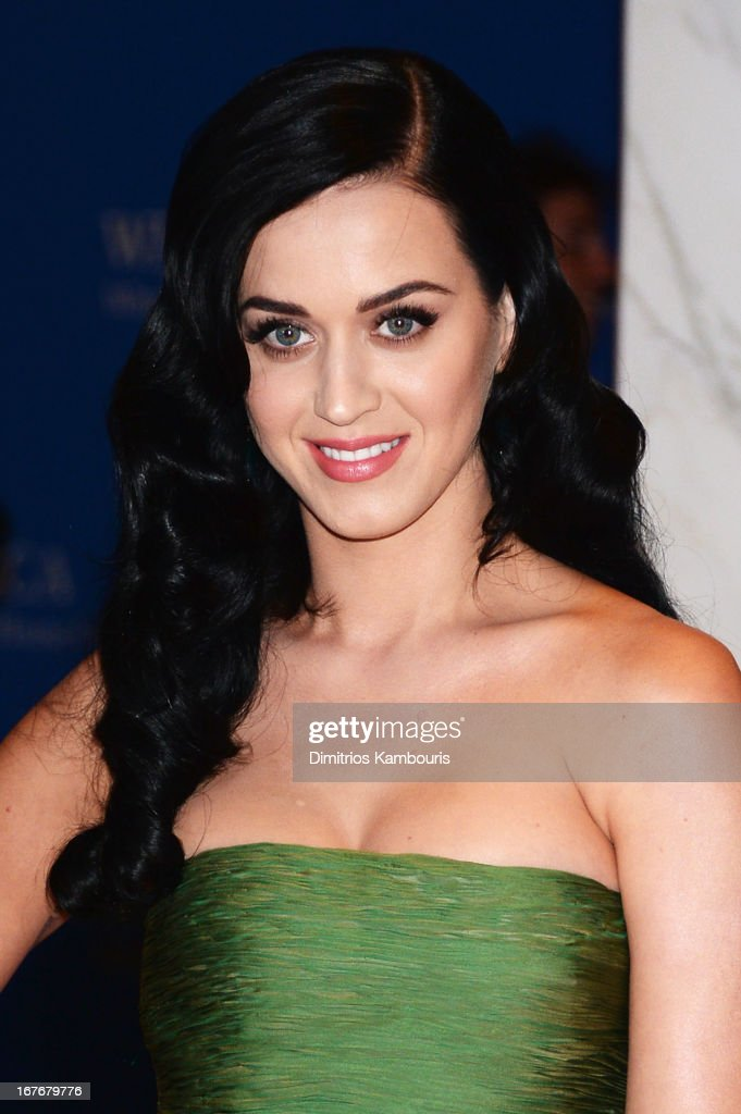 Singer <a gi-track='captionPersonalityLinkClicked' href=/galleries/search?phrase=Katy+Perry&family=editorial&specificpeople=599558 ng-click='$event.stopPropagation()'>Katy Perry</a> attends the White House Correspondents' Association Dinner at the Washington Hilton on April 27, 2013 in Washington, DC.