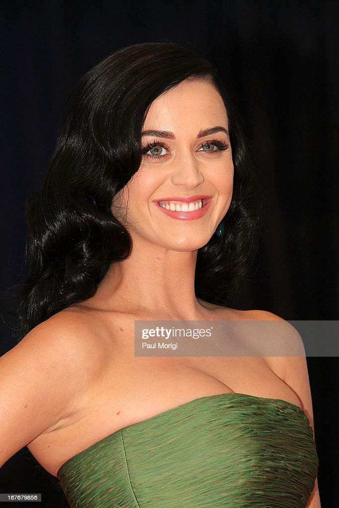 Singer Katy Perry attends the White House Correspondents' Association Dinner at the Washington Hilton on April 27, 2013 in Washington, DC.