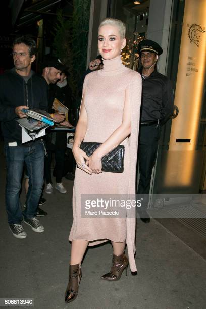 Singer Katy Perry leaves the 'Kaviar Kaspia' restaurant on July 3 2017 in Paris France