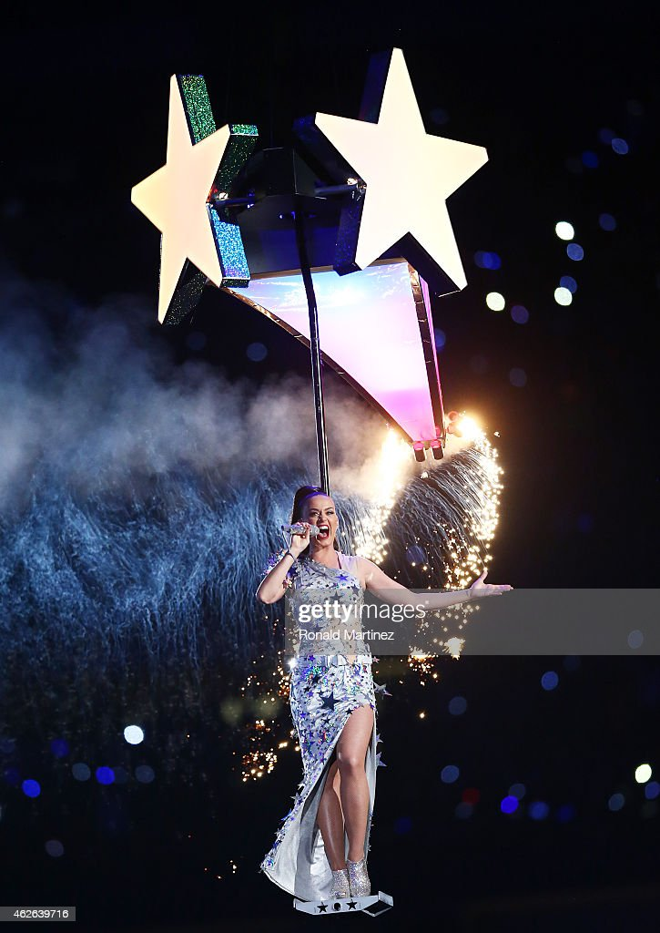 Singer Katy Perry performs during the Pepsi Super Bowl XLIX Halftime Show at University of Phoenix Stadium on February 1, 2015 in Glendale, Arizona.