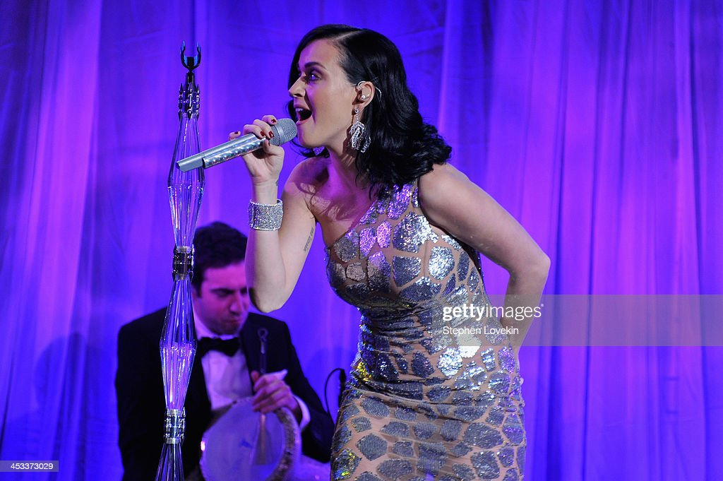 Singer <a gi-track='captionPersonalityLinkClicked' href=/galleries/search?phrase=Katy+Perry&family=editorial&specificpeople=599558 ng-click='$event.stopPropagation()'>Katy Perry</a> performs onstage at The Ninth Annual UNICEF Snowflake Ball at Cipriani, Wall Street on December 3, 2013 in New York City.