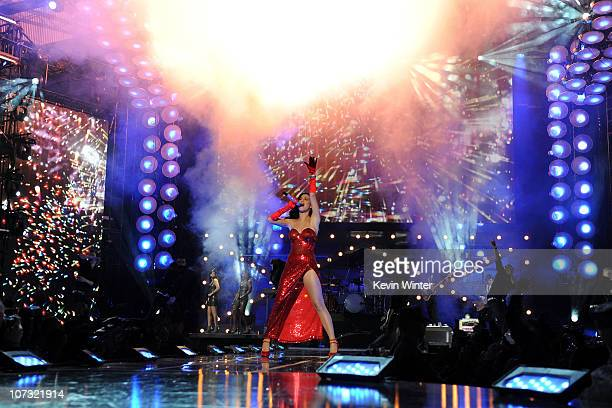 Singer Katy Perry performs onstage during 'VH1 Divas Salute the Troops' presented by the USO at the MCAS Miramar on December 3 2010 in Miramar...