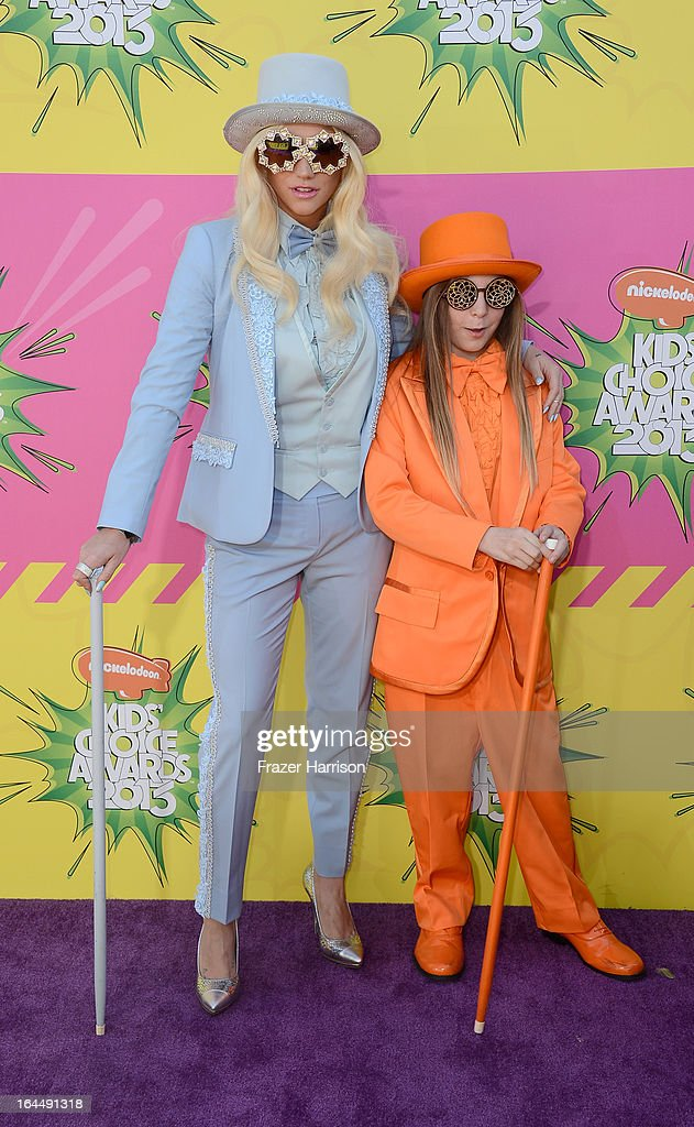 Singer Ke$ha and brother Louie Sebert arrive at Nickelodeon's 26th Annual Kids' Choice Awards at USC Galen Center on March 23, 2013 in Los Angeles, California.