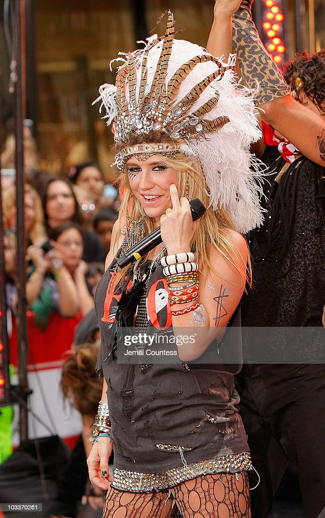 Singer <a gi-track='captionPersonalityLinkClicked' href=/galleries/search?phrase=Ke%24ha&family=editorial&specificpeople=6718222 ng-click='$event.stopPropagation()'>Ke$ha</a> performs on NBC's 'Today' at Rockefeller Center on August 13, 2010 in New York City.