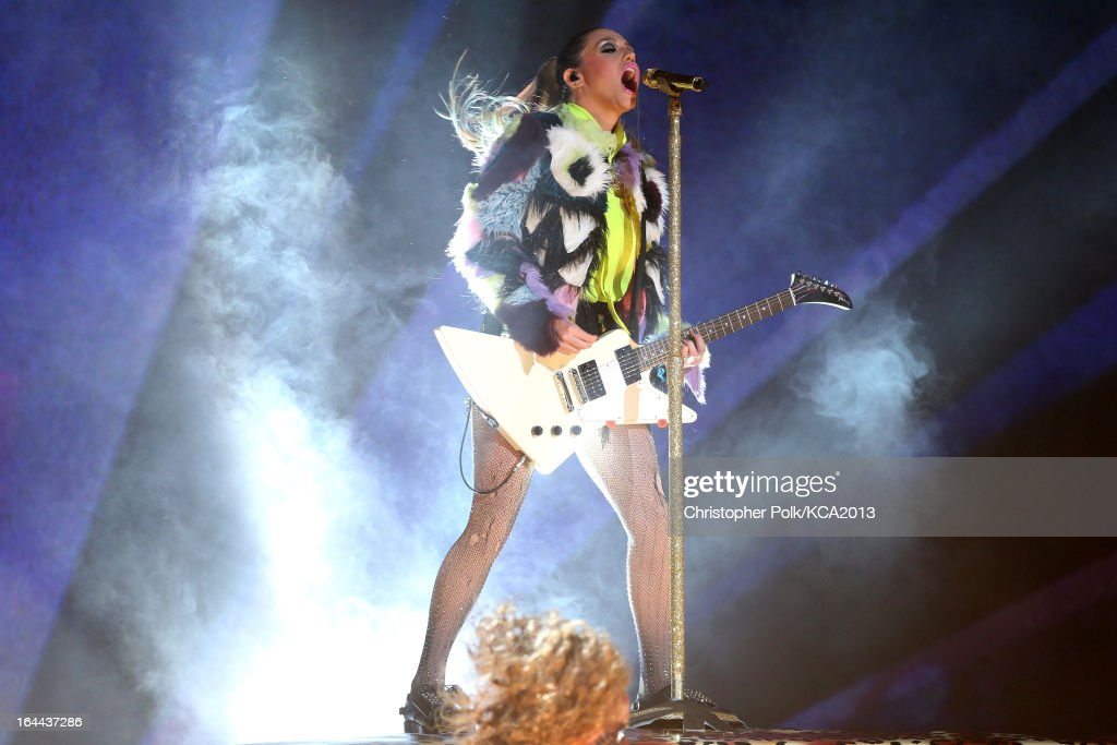 Singer <a gi-track='captionPersonalityLinkClicked' href=/galleries/search?phrase=Ke%24ha&family=editorial&specificpeople=6718222 ng-click='$event.stopPropagation()'>Ke$ha</a> performs onstage during Nickelodeon's 26th Annual Kids' Choice Awards at USC Galen Center on March 23, 2013 in Los Angeles, California.