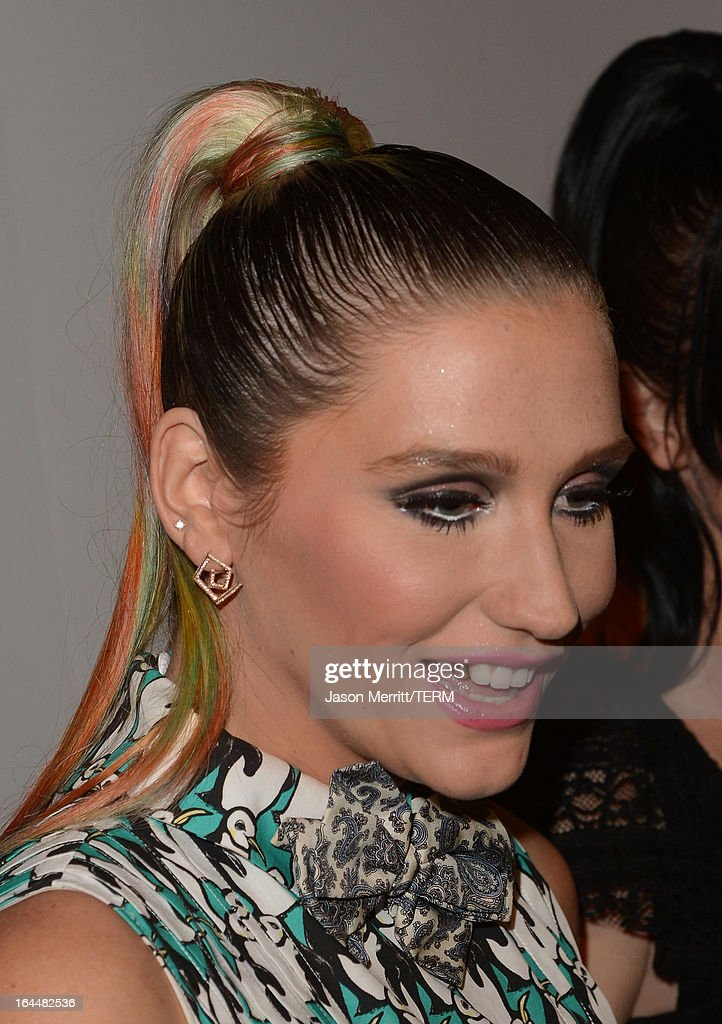 Singer Ke$ha (fashion detail) poses backstage after receiving The Wyler Award at The Humane Society of the United States 2013 Genesis Awards Benefit Gala at The Beverly Hilton Hotel on March 23, 2013 in Los Angeles, California.