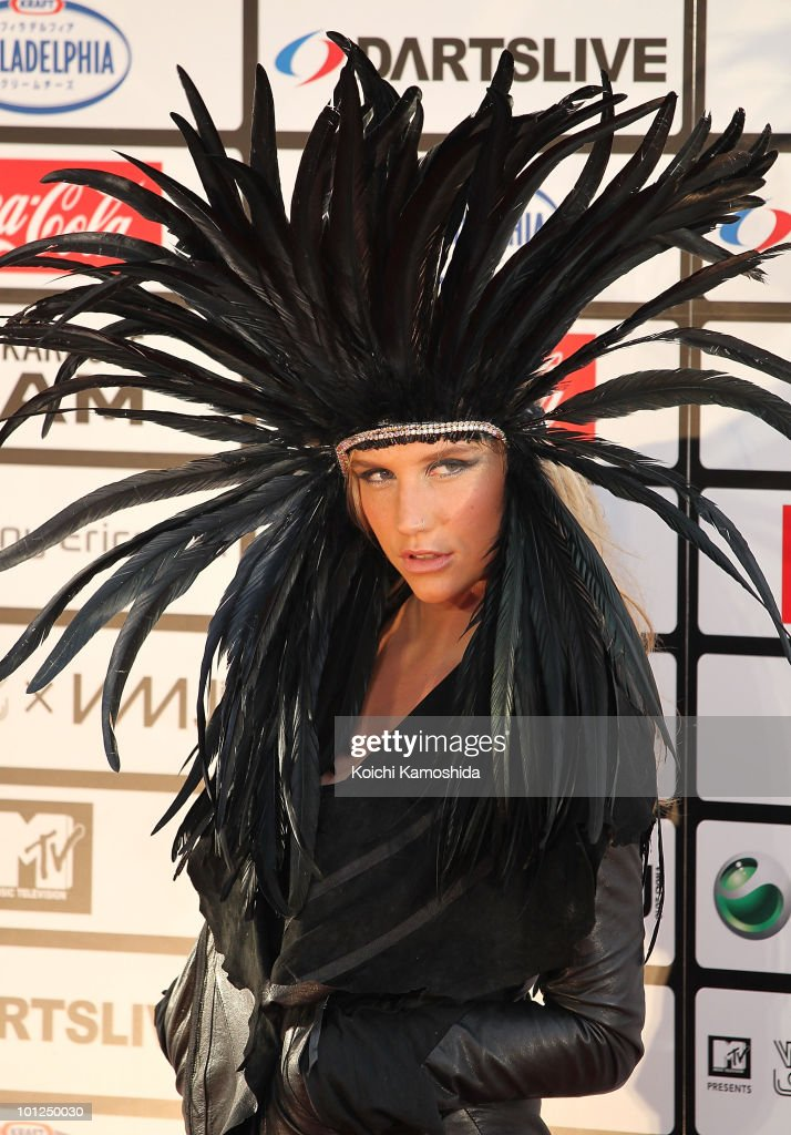 Singer <a gi-track='captionPersonalityLinkClicked' href=/galleries/search?phrase=Ke%24ha&family=editorial&specificpeople=6718222 ng-click='$event.stopPropagation()'>Ke$ha</a> poses on the red carpet during the MTV World Stage VMAJ 2010 at Yoyogi National Gymnasium on May 29, 2010 in Tokyo, Japan.