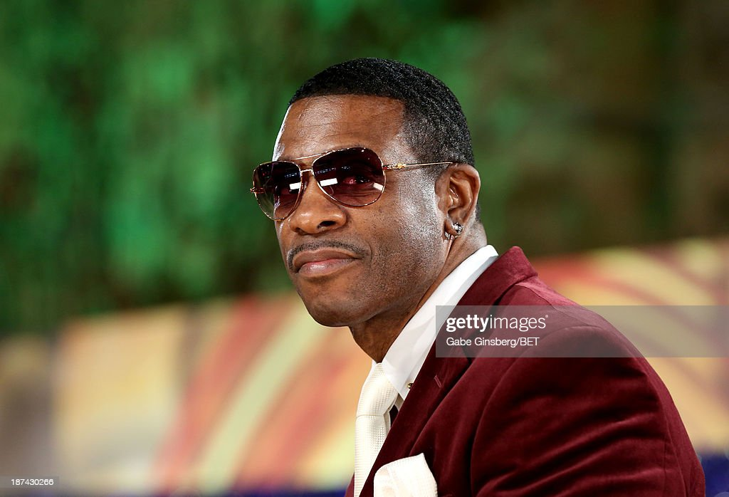 Singer <a gi-track='captionPersonalityLinkClicked' href=/galleries/search?phrase=Keith+Sweat&family=editorial&specificpeople=3747562 ng-click='$event.stopPropagation()'>Keith Sweat</a> attends the Soul Train Awards 2013 at the Orleans Arena on November 8, 2013 in Las Vegas, Nevada.