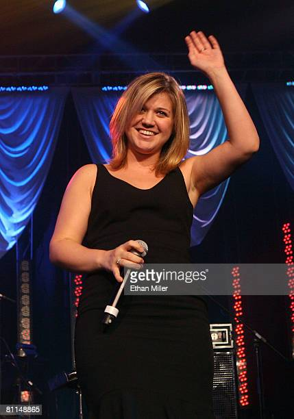 ACCESS***Singer Kelly Clarkson performs during the 43rd annual Academy Of Country Music Awards AllStar Jam held at the MGM Grand Hotel/Casino on May...