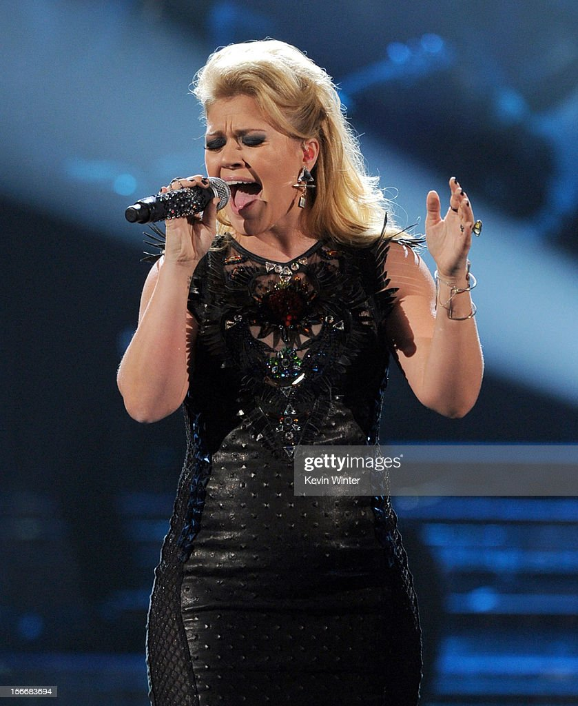 Singer Kelly Clarkson performs onstage during the 40th American Music Awards held at Nokia Theatre L.A. Live on November 18, 2012 in Los Angeles, California.