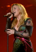 Singer Kelly Clarkson performs onstage during 'VH1 Divas' 2012 at The Shrine Auditorium on December 16 2012 in Los Angeles California