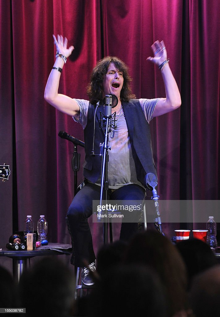 Singer <a gi-track='captionPersonalityLinkClicked' href=/galleries/search?phrase=Kelly+Hansen&family=editorial&specificpeople=868991 ng-click='$event.stopPropagation()'>Kelly Hansen</a> performs during Juke Box Heroes: An Evening With Foreigner at The GRAMMY Museum on October 30, 2012 in Los Angeles, California.