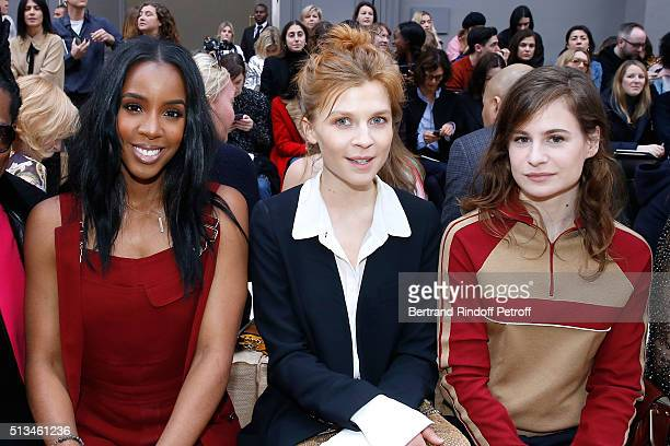 Singer Kelly Rowland Actress Clemence Poesy and Singer of 'Christine and the Queens' Eloise Letissier attend the Chloe show as part of the Paris...