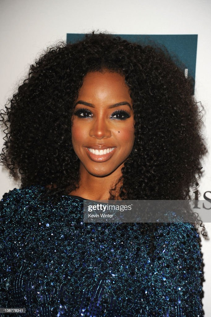 Singer Kelly Rowland arrives at Clive Davis and the Recording Academy's 2012 Pre-GRAMMY Gala and Salute to Industry Icons Honoring Richard Branson held at The Beverly Hilton Hotel on February 11, 2012 in Beverly Hills, California.