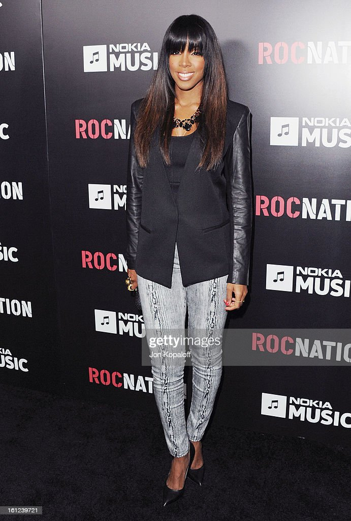 Singer <a gi-track='captionPersonalityLinkClicked' href=/galleries/search?phrase=Kelly+Rowland&family=editorial&specificpeople=201760 ng-click='$event.stopPropagation()'>Kelly Rowland</a> arrives at Roc Nation Hosts Annual Private Pre-GRAMMY Brunch at Soho House on February 9, 2013 in West Hollywood, California.