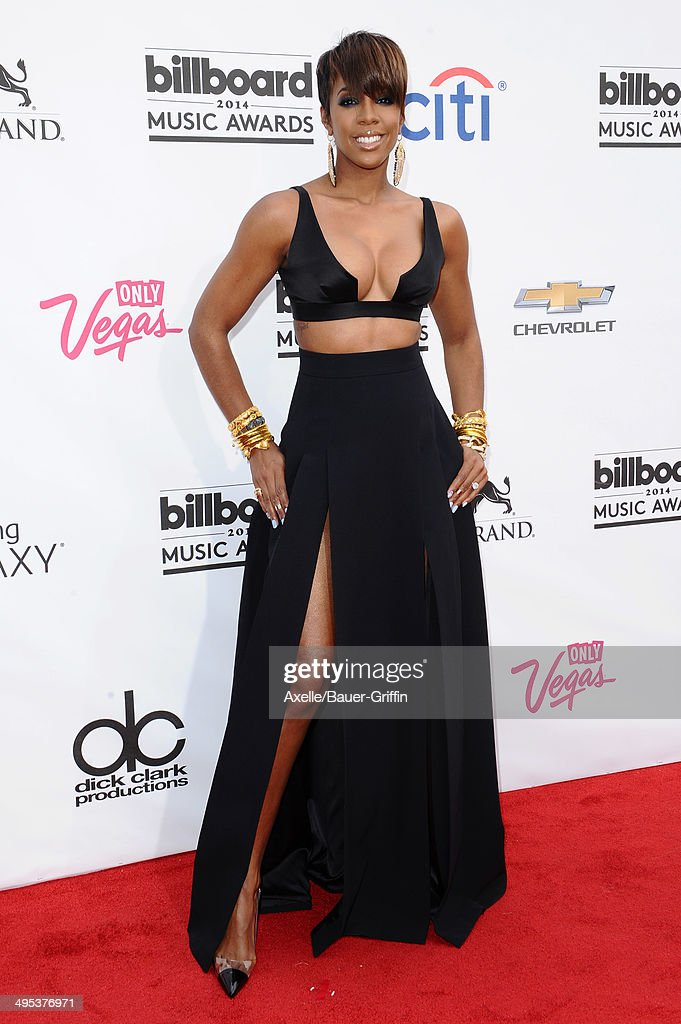 Singer Kelly Rowland arrives at the 2014 Billboard Music Awards at the MGM Grand Garden Arena on May 18, 2014 in Las Vegas, Nevada.