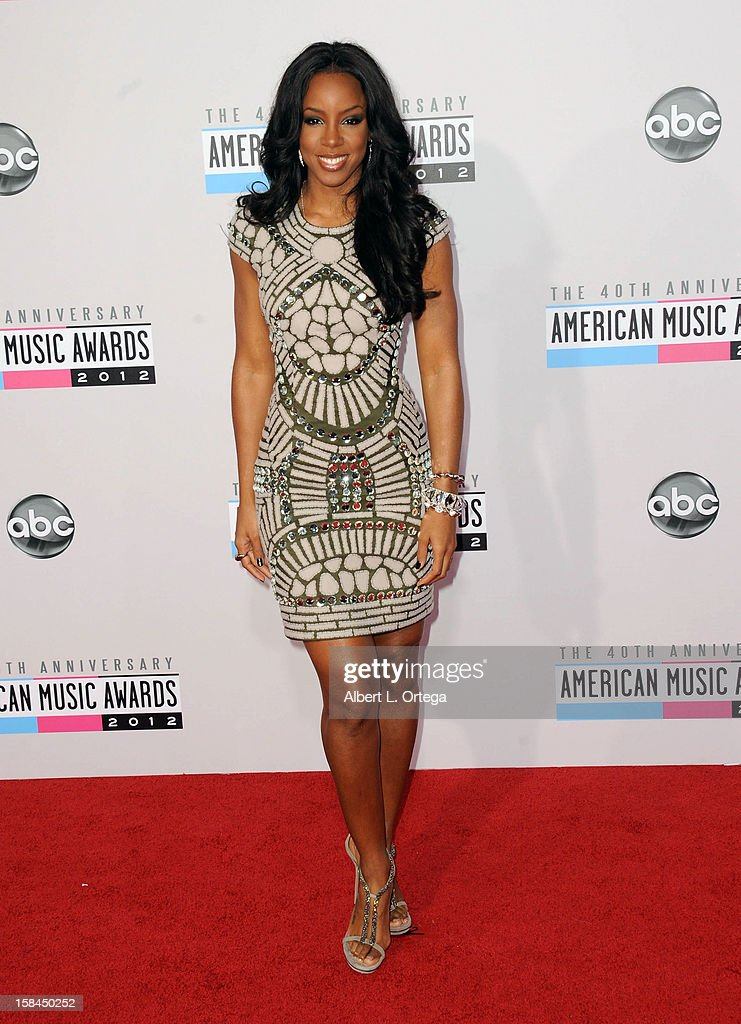 Singer Kelly Rowland arrives for the 40th Anniversary American Music Awards - Arrivals held at Nokia Theater L.A. Live on November 18, 2012 in Los Angeles, California.