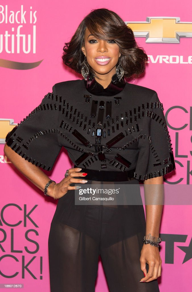 Singer Kelly Rowland attends Black Girls Rock! 2013 at New Jersey Performing Arts Center on October 26, 2013 in Newark, New Jersey.