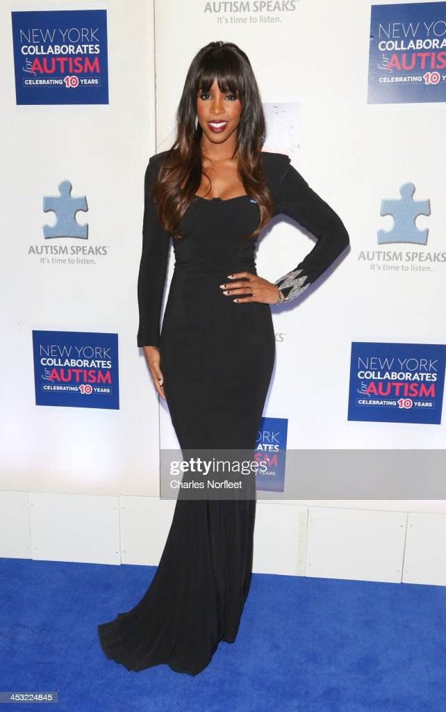 Singer <a gi-track='captionPersonalityLinkClicked' href=/galleries/search?phrase=Kelly+Rowland&family=editorial&specificpeople=201760 ng-click='$event.stopPropagation()'>Kelly Rowland</a> attends the 2013 Winter Ball For Autism at the Metropolitan Museum of Art on December 2, 2013 in New York City.