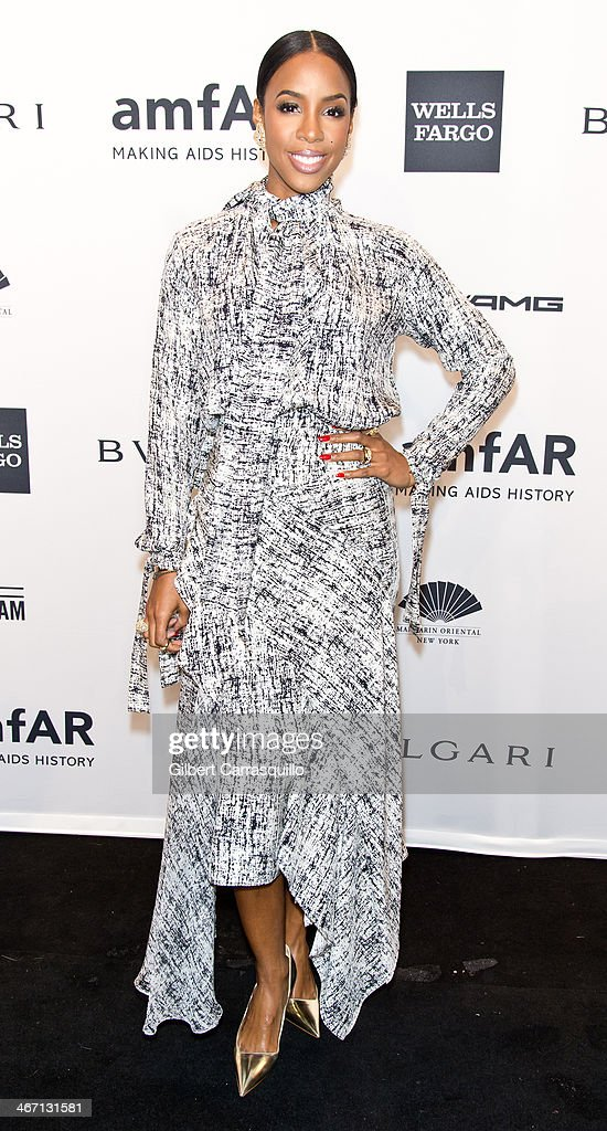 Singer Kelly Rowland attends the 2014 amfAR New York Gala at Cipriani Wall Street on February 5, 2014 in New York City.