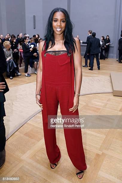 Singer Kelly Rowland attends the Chloe show as part of the Paris Fashion Week Womenswear Fall/Winter 2016/2017 Held at Grand Palais on March 3 2016...