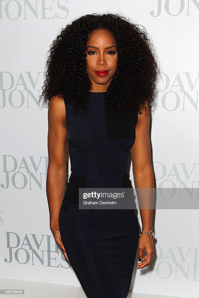 Singer <a gi-track='captionPersonalityLinkClicked' href=/galleries/search?phrase=Kelly+Rowland&family=editorial&specificpeople=201760 ng-click='$event.stopPropagation()'>Kelly Rowland</a> attends the David Jones S/S 2012/13 Season Launch at David Jones Castlereagh Street on August 14, 2012 in Sydney, Australia.