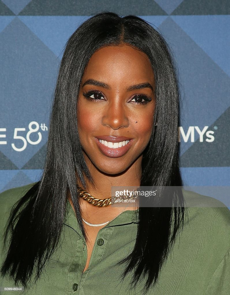 Singer <a gi-track='captionPersonalityLinkClicked' href=/galleries/search?phrase=Kelly+Rowland&family=editorial&specificpeople=201760 ng-click='$event.stopPropagation()'>Kelly Rowland</a> attends the Delta Air Lines celebrates 2016 GRAMMY Weekend with 'Sites and Sounds' private performance with Leon Bridges on February 12, 2016 in Hollywood, California.