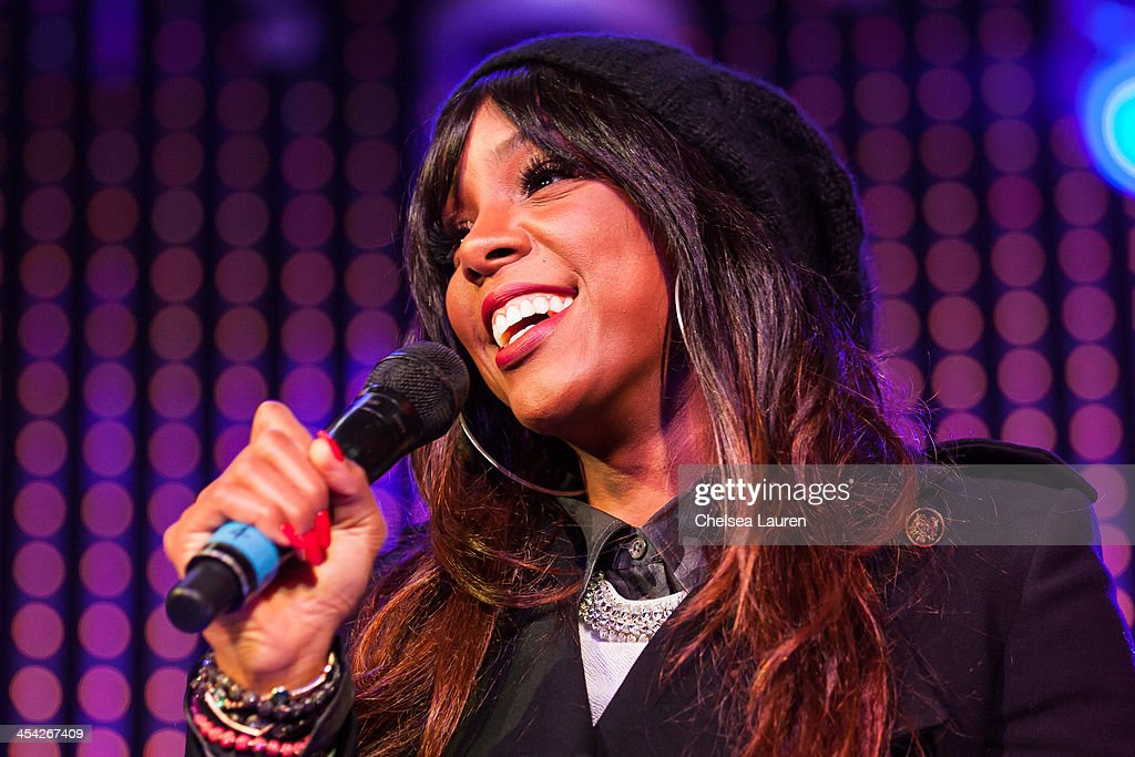 Singer <a gi-track='captionPersonalityLinkClicked' href=/galleries/search?phrase=Kelly+Rowland&family=editorial&specificpeople=201760 ng-click='$event.stopPropagation()'>Kelly Rowland</a> attends The Salvation Army's 4th annual Rock The Red Kettle concert at 5 Towers Outdoor Concert Arena on December 7, 2013 in Universal City, California.