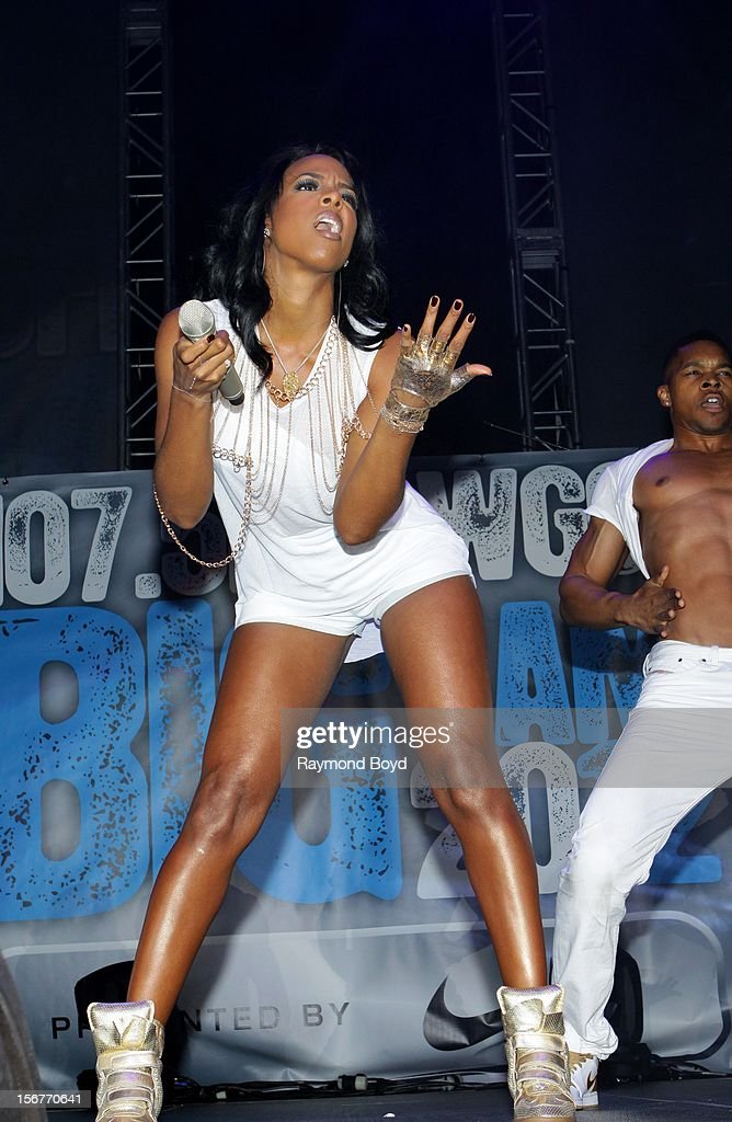 Singer Kelly Rowland, performs during the WGCI-FM 'Big Jam 2012' concert at the Allstate Arena in Rosemont, Illinois in NOVEMBER