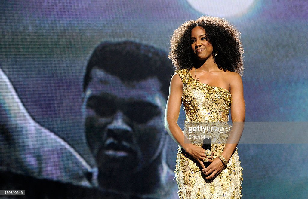 Singer <a gi-track='captionPersonalityLinkClicked' href=/galleries/search?phrase=Kelly+Rowland&family=editorial&specificpeople=201760 ng-click='$event.stopPropagation()'>Kelly Rowland</a> performs onstage at the Keep Memory Alive foundation's 'Power of Love Gala' celebrating Muhammad Ali's 70th birthday at the MGM Grand Garden Arena February 18, 2012 in Las Vegas, Nevada. The event benefits the Cleveland Clinic Lou Ruvo Center for Brain Health and the Muhammad Ali Center.