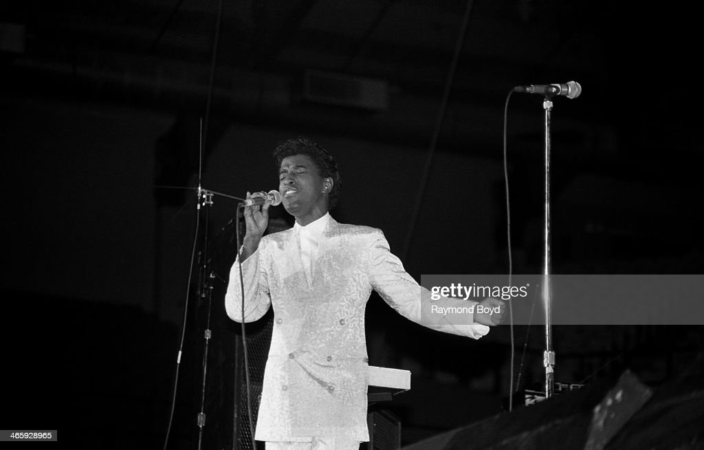 Singer Kenneth 'Babyface' Edmonds of The Deele performs at the Rosemont Horizon in Rosemont Illinois on AUGUST 01 1988