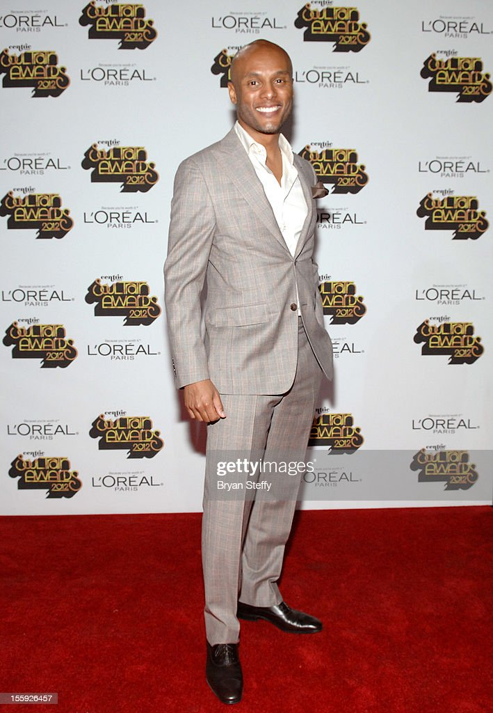 Singer Kenny Lattimore arrives at the Loreal Style Stage at the Soul Train Awards 2012 at PH Live at Planet Hollywood Resort & Casino on November 8, 2012 in Las Vegas, Nevada.