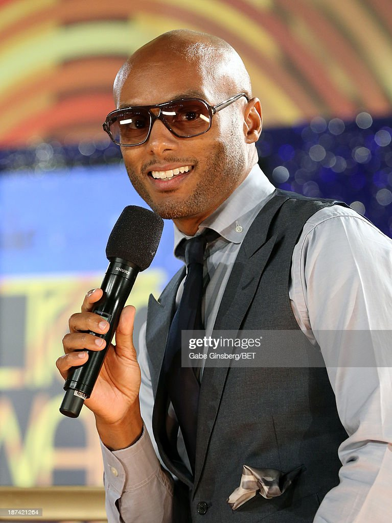 Singer <a gi-track='captionPersonalityLinkClicked' href=/galleries/search?phrase=Kenny+Lattimore&family=editorial&specificpeople=734613 ng-click='$event.stopPropagation()'>Kenny Lattimore</a> attends the Soul Train Awards 2013 at the Orleans Arena on November 8, 2013 in Las Vegas, Nevada.