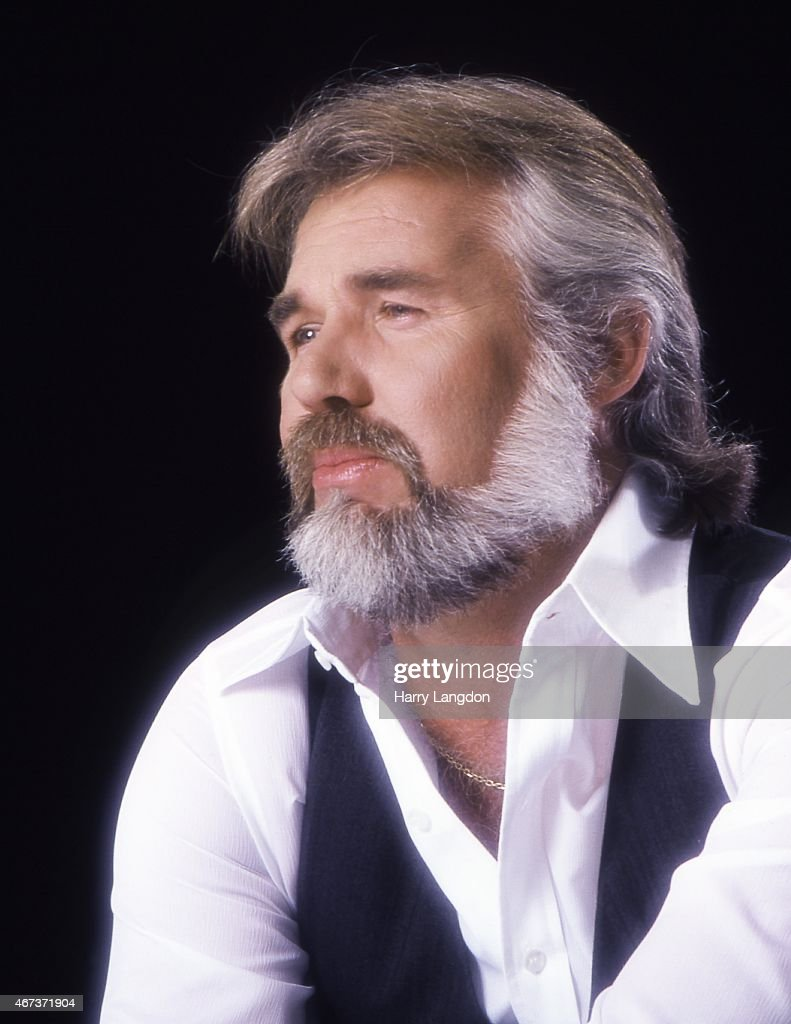 Singer <a gi-track='captionPersonalityLinkClicked' href=/galleries/search?phrase=Kenny+Rogers+-+Singer&family=editorial&specificpeople=4246341 ng-click='$event.stopPropagation()'>Kenny Rogers</a> poses for a portrait in 1979 in Los Angeles, California.