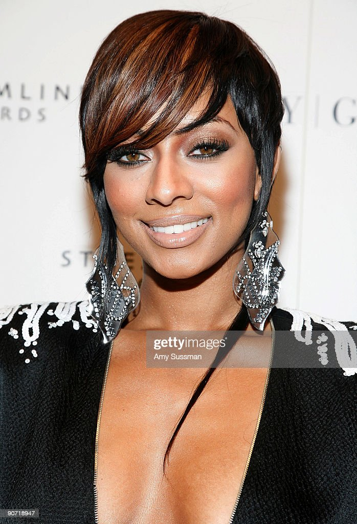 Singer <a gi-track='captionPersonalityLinkClicked' href=/galleries/search?phrase=Keri+Hilson&family=editorial&specificpeople=4340776 ng-click='$event.stopPropagation()'>Keri Hilson</a> attends Lady Gaga's VMA after party at Avenue on September 13, 2009 in New York City.