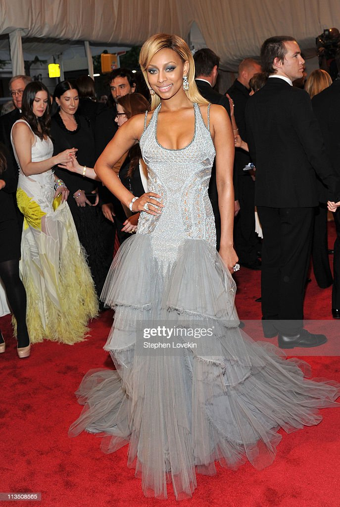 Singer Keri Hilson attends the 'Alexander McQueen: Savage Beauty' Costume Institute Gala at The Metropolitan Museum of Art on May 2, 2011 in New York City.