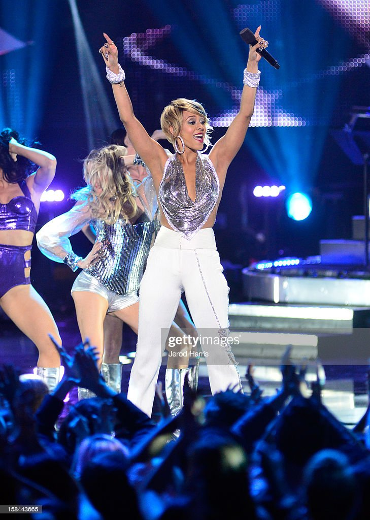 Singer Keri Hilson performs onstage at 'VH1 Divas' 2012 held at The Shrine Auditorium on December 16, 2012 in Los Angeles, California.