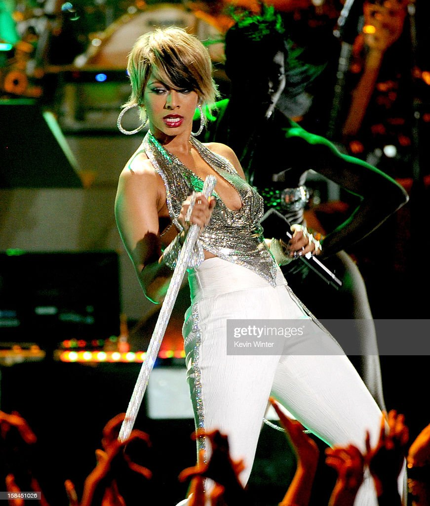 Singer Keri Hilson performs onstage during 'VH1 Divas' 2012 at The Shrine Auditorium on December 16, 2012 in Los Angeles, California.
