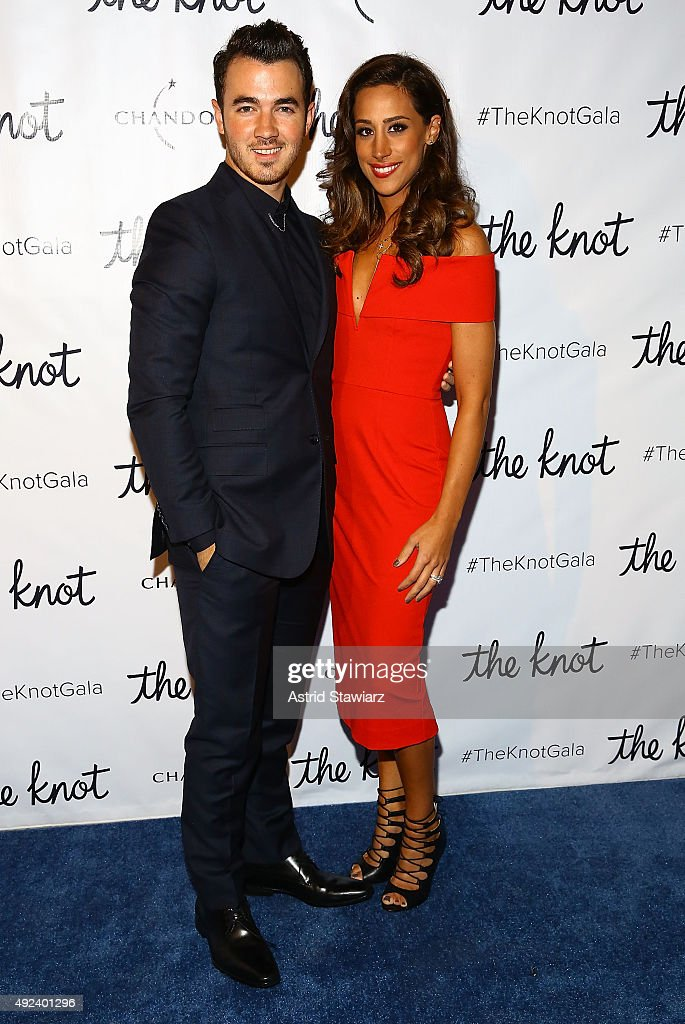 Singer <a gi-track='captionPersonalityLinkClicked' href=/galleries/search?phrase=Kevin+Jonas&family=editorial&specificpeople=709547 ng-click='$event.stopPropagation()'>Kevin Jonas</a> and wife <a gi-track='captionPersonalityLinkClicked' href=/galleries/search?phrase=Danielle+Deleasa&family=editorial&specificpeople=6716653 ng-click='$event.stopPropagation()'>Danielle Deleasa</a> attend The Knot Gala 2015 at New York Public Library on October 12, 2015 in New York City.