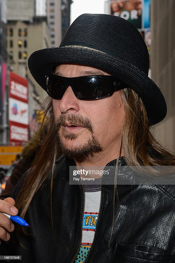 Singer <a gi-track='captionPersonalityLinkClicked' href=/galleries/search?phrase=Kid+Rock&family=editorial&specificpeople=171123 ng-click='$event.stopPropagation()'>Kid Rock</a> leaves the 'Big Morning Buzz' taping at the VH1 Studios on November 19, 2012 in New York City.